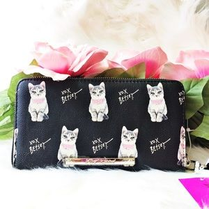 🎀BETSEY JOHNSON🎀 WALLET/WRISTLET BLACK WITH CATS